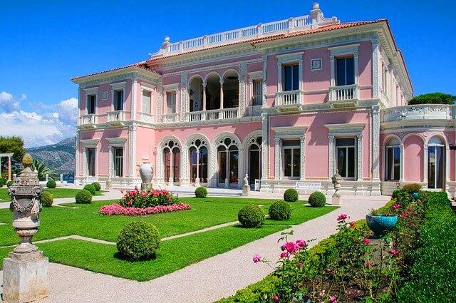 luxusimmobilie villa penthouse exklusive h user. Black Bedroom Furniture Sets. Home Design Ideas