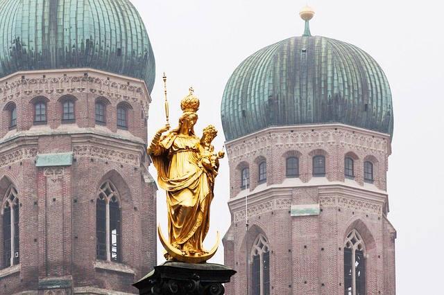 Mariensäule München Marienplatz - Südbayerische Immobilien